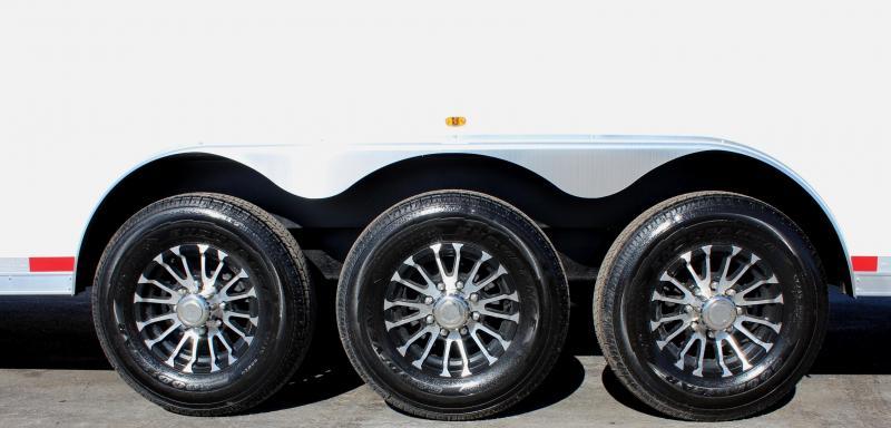 <b>Sale Pending</b>  2019 48' Millennium Silver Gooseneck Super Nice! Hydraulic Jack/Screwless