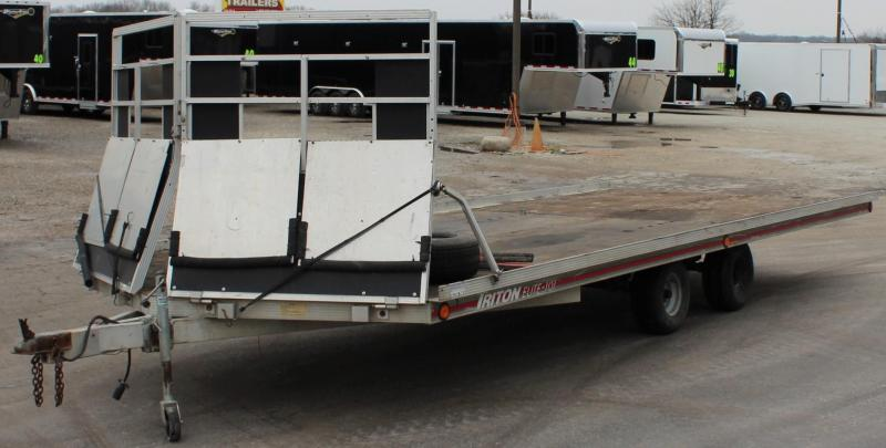 <b> USED TRADE-IN</b> 1995 20' 4-Place Triton Snowmobile Trailer