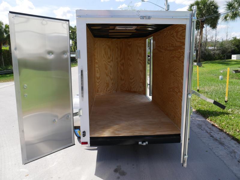 *E2C* 5x10 Cargo Enclosed Trailer LR Catering Cargo 5 x 10 | EV5-10S3-R