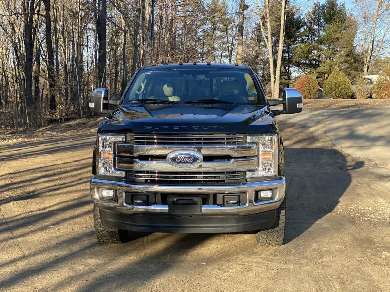 2017 Ford F250 Supercab Lariat 6.2L Fully Loaded Truck