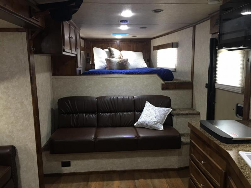 2020 Logan Coach 4 Horse Side Load 14.6 ft Short Wall with Slide Horse Trailer