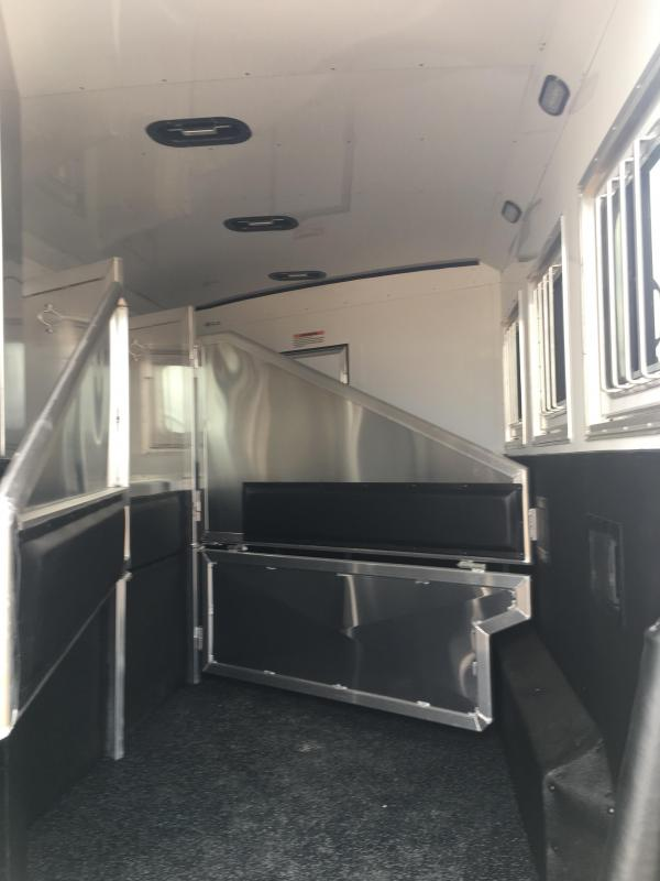2020 Exiss Trailers Endeavor 8312 with Slide Horse Trailer