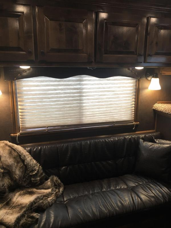 2020 Platinum Coach 4 Horse Side Load 13 Short Wall Horse Trailer