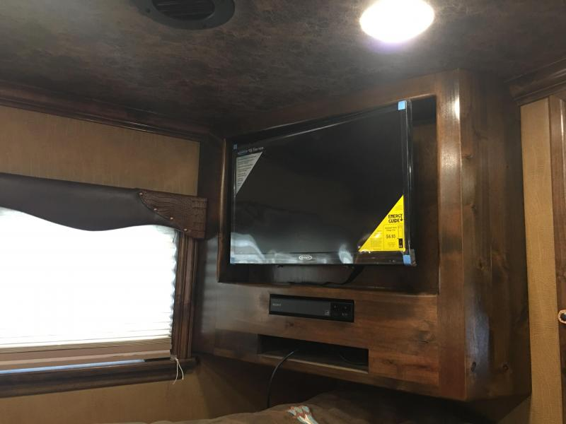 2019 Platinum Coach 5 Horse Side Load 13.4 ft SW with Slide out Horse Trailer