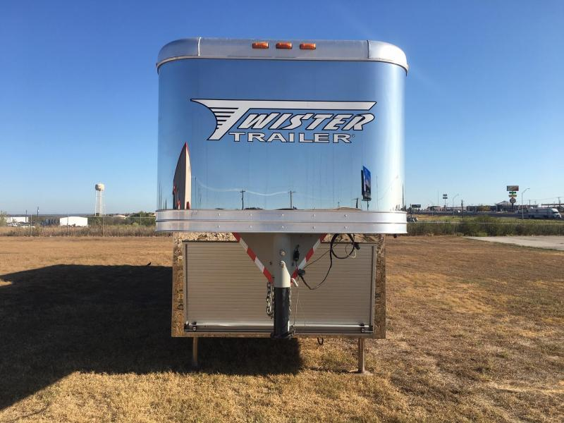 2012 Twister 5 Horse with a 18ft Straight Wall Outlaw LQ Horse Trailer