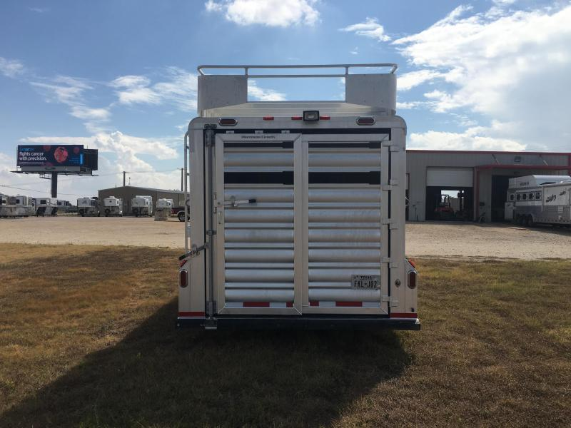 2017 Platinum Coach 22 ft Sport Combo Livestock Trailer