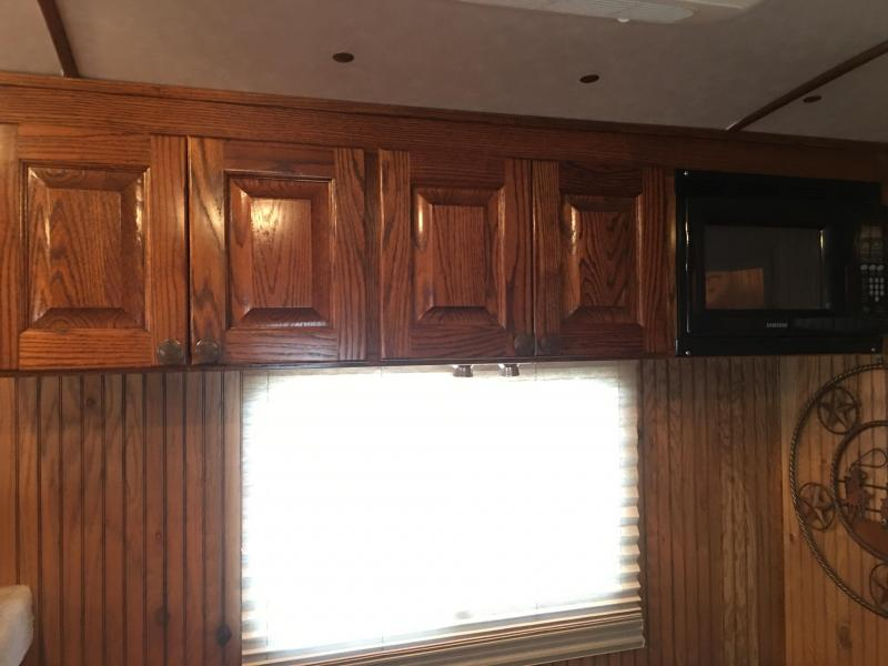 2004 Platinum Coach 3 Horse with a 8 ft Short Wall Horse Trailer