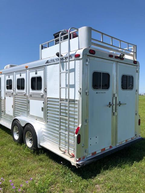 "2000 Elite Trailers 3 Horse 10' SW 7'6"" Wide Horse Trailer"