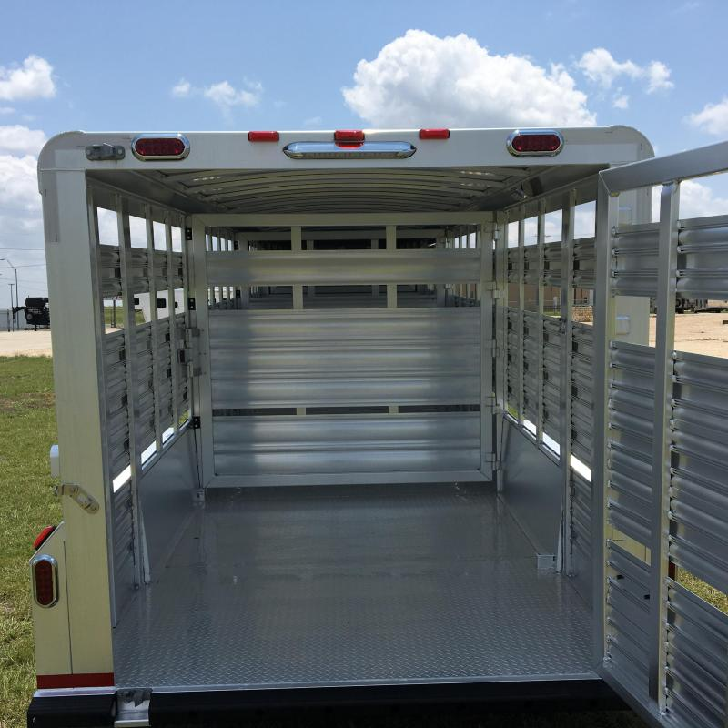 2018 Platinum Coach 24 ft Stock Livestock Trailer