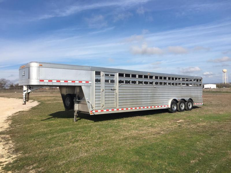 2015 Elite Trailers 32 ft by 8 ft wide Livestock Trailer