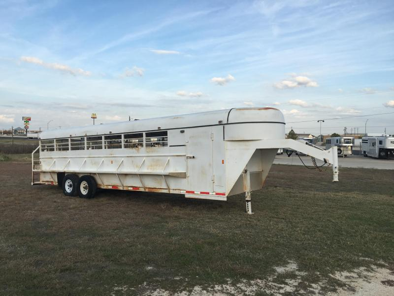 2005 Hughs 28 Ft Stock Combo Livestock Trailer