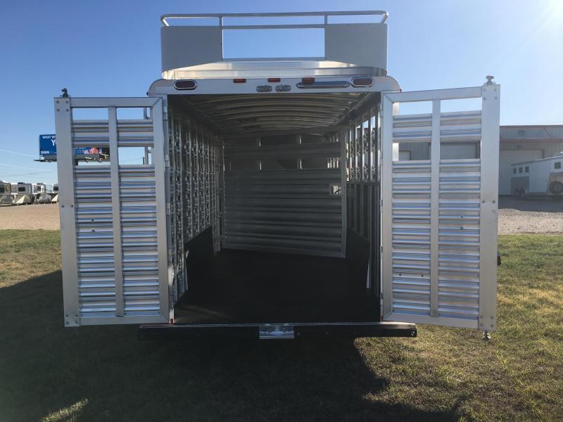 2020 Platinum Coach 26 ft Sport Combo Livestock Trailer