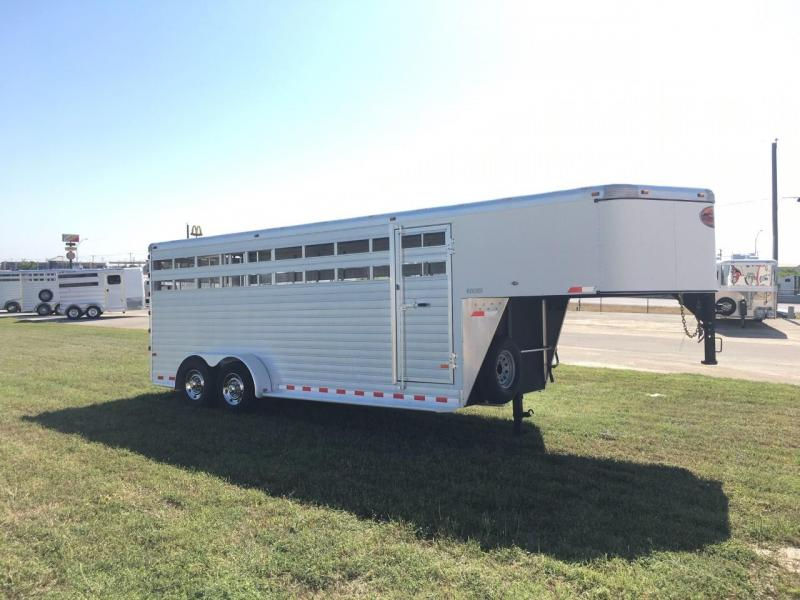 2013 Sundowner Trailers 20 ft Livestock Trailer