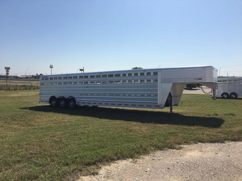 2020 Platinum Coach 32 ft Livestock Trailer