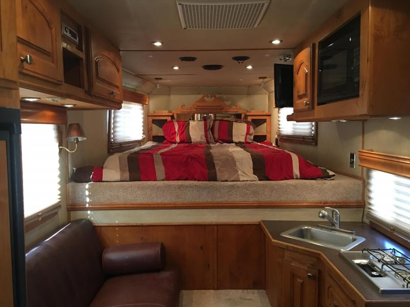 2005 Elite Trailers 4 Horse with a 10 ft Short Wall Horse Trailer