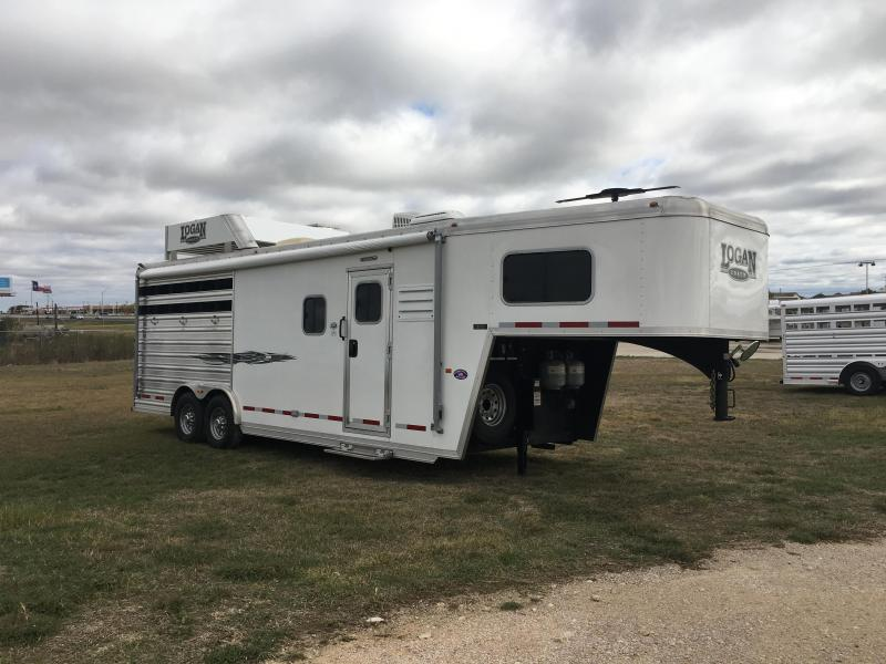 2016 Logan Coach 3 Horse Riot 9 ft Short Wall Horse Trailer