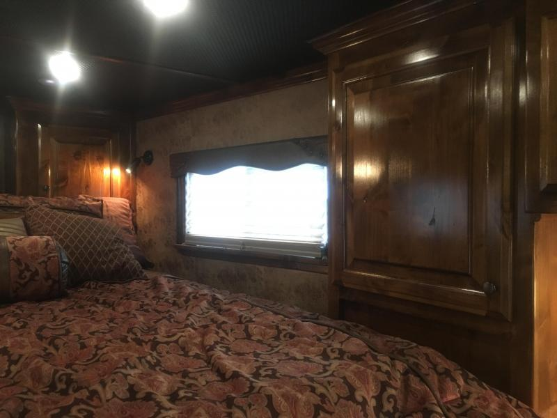 2016 Platinum Coach 4 Horse 16 ft Short Wall with Bunks Horse Trailer