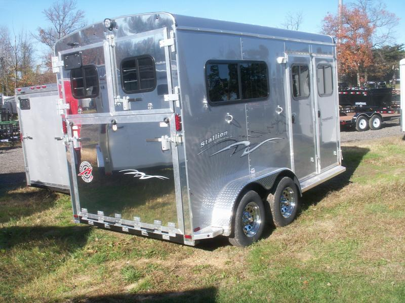 2019 Homesteader Inc. 2-H WARMBLOOD STALLION HORSE TRAILER Horse Trailer