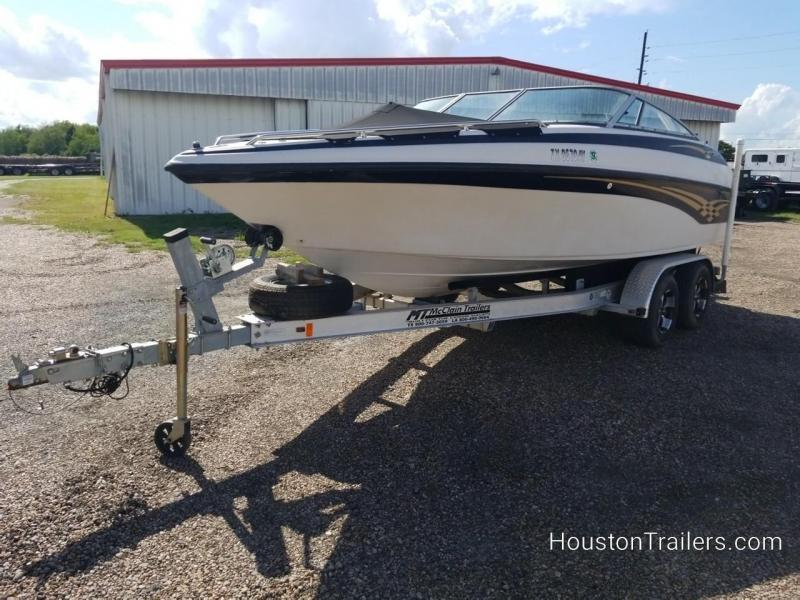 2000 Crownline 205BR Power Boat