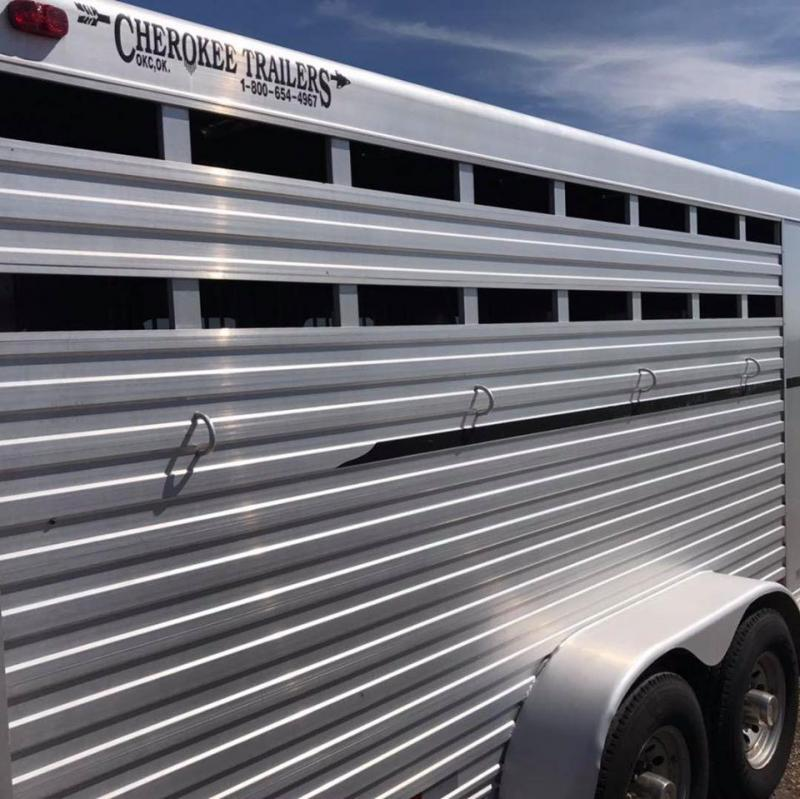 2001 Cherokee GN 4h Slant with Tack Horse Trailer