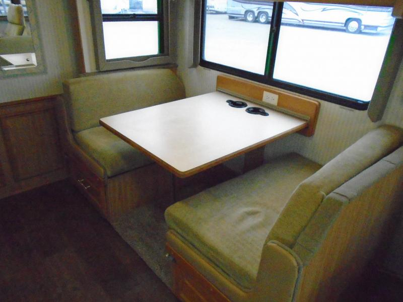 2001 Fleetwood Pace Arrow M-35R Class A RV