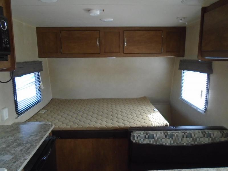 2017 Forest River Wildwood M-185RB Travel Trailer RV