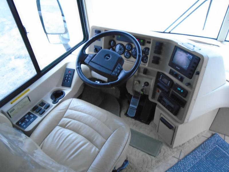 2005 Winnebago journey 36G Class A RV