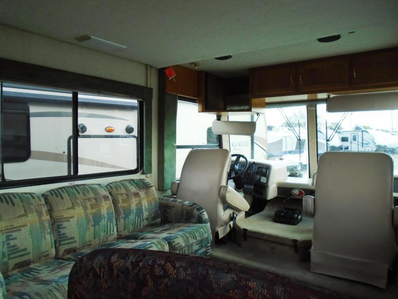1996 Monaco Coach Corporation SAFARI TREK PATHMAKER Class A