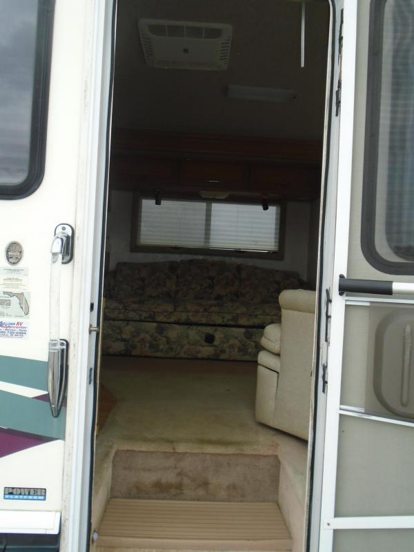 1997 Fleetwood RV Pace Arrow Vision 34C  GAS