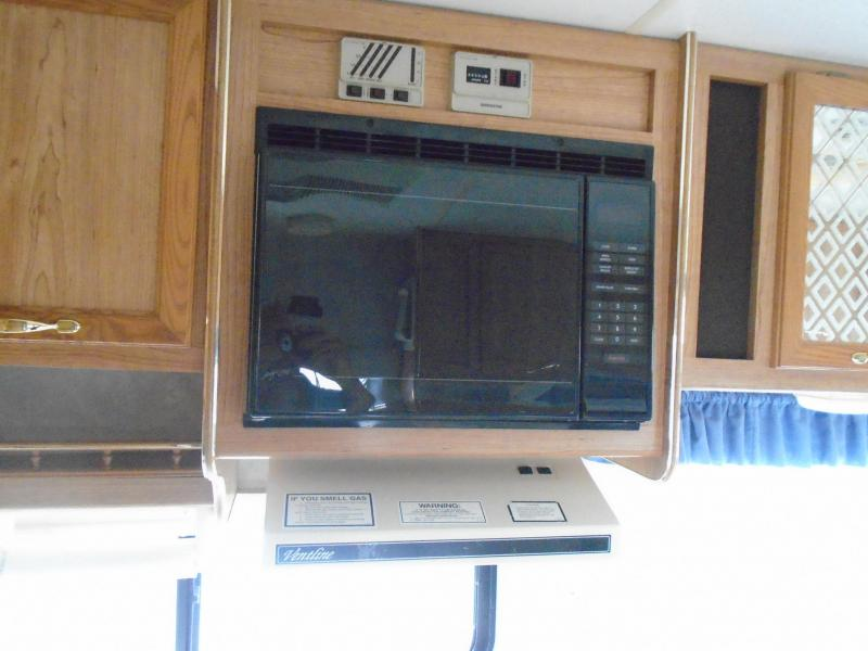 1995 Coachmen CATALINA 275QB Class C - GAS