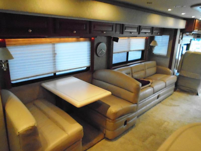 2002 Foretravel Unicoach 4220 U320 Class A RV 42ft.