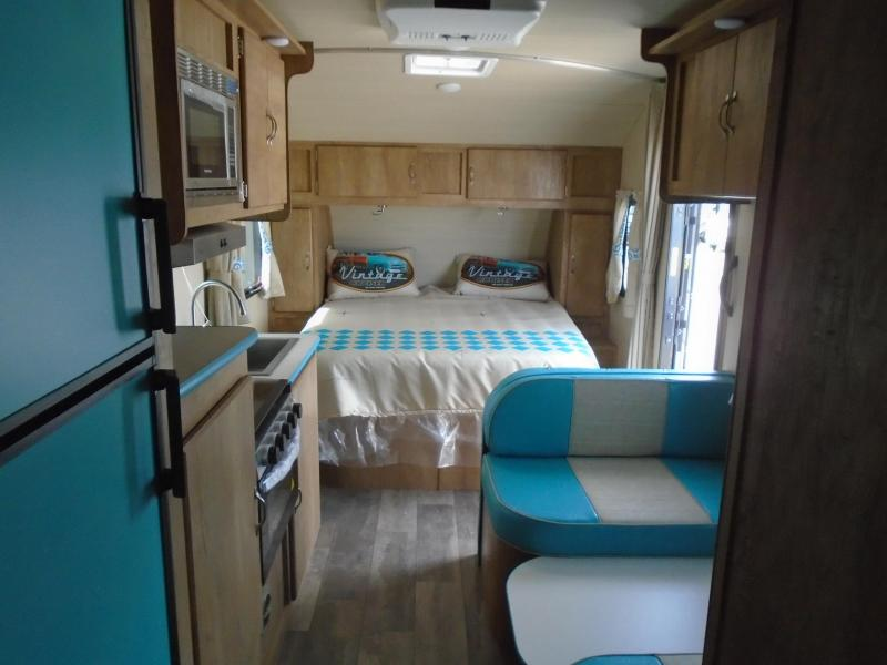 2020 Gulf Stream VINTAGE CRUISER 19RBS Travel Trailer