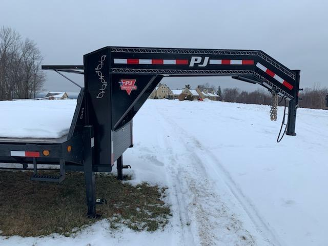 used 2018 PJ Trailers 102x40 Flatbed Trailer