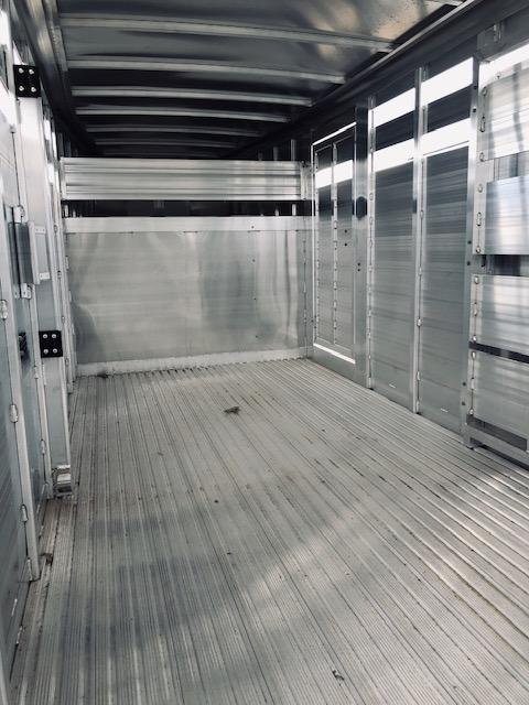 2020 Featherlite 8117 Livestock Trailer