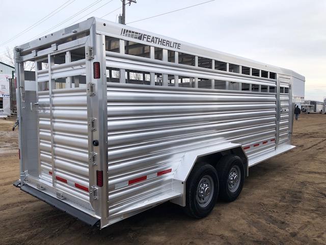 2019 Featherlite 8127 20' Livestock Trailer