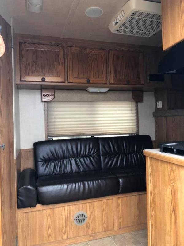 2007 Exiss Trailers 7408 Horse Trailer