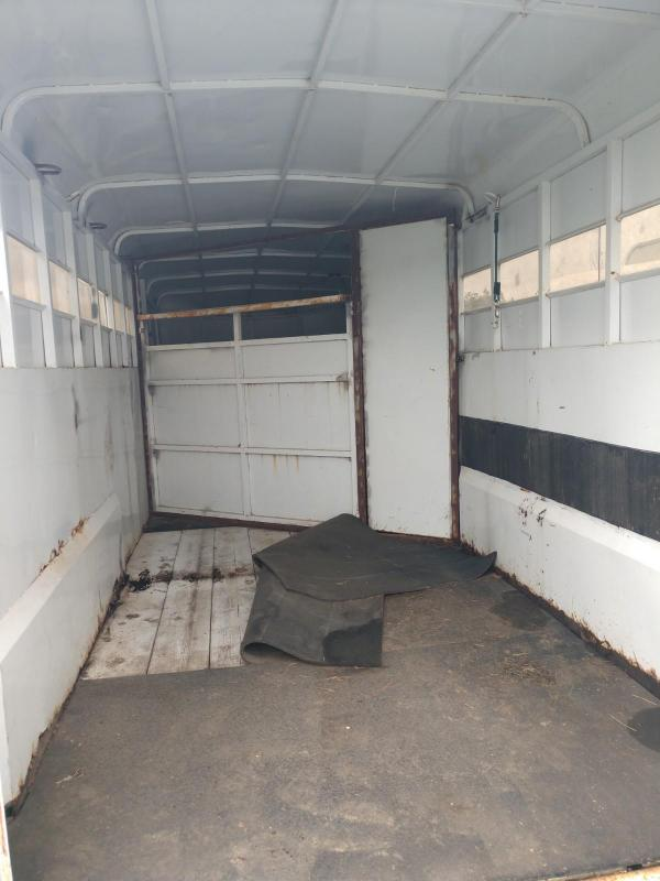 2001 Trails West 3 Horse Slant Livestock Trailer