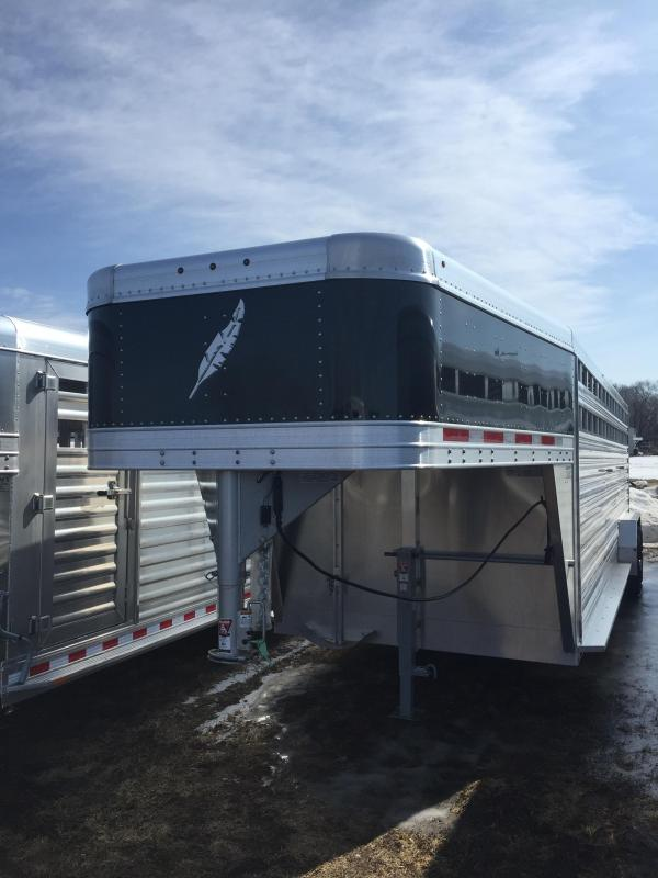 2021 Featherlite 8127 Livestock Trailer