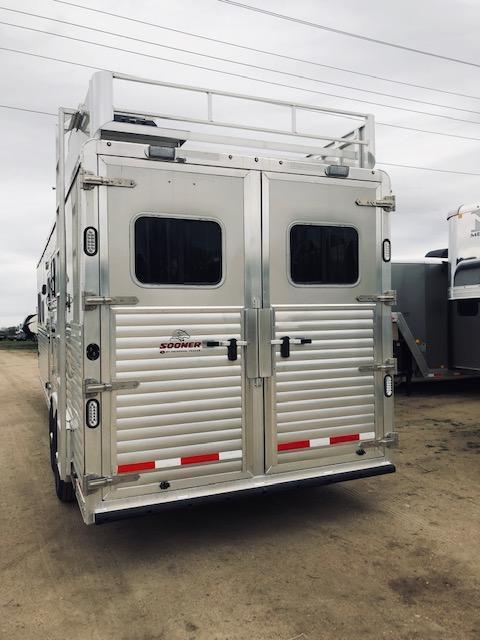 2019 Sooner 8313 Horse Trailer