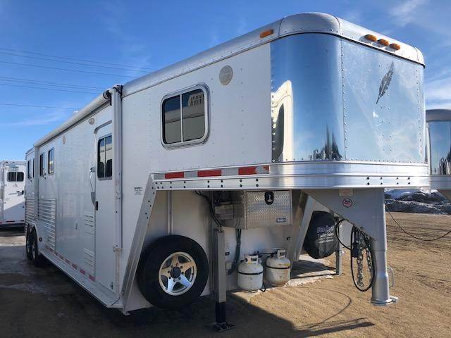 2004 Featherlite 7610 Horse Trailer