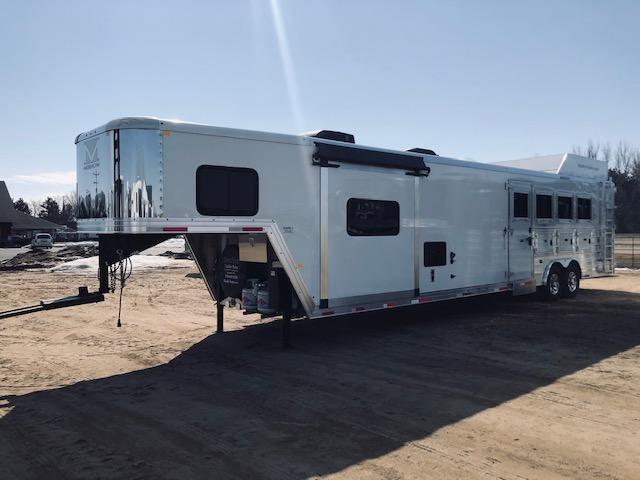 2020 Merhow Trailers 8416 Horse Trailer