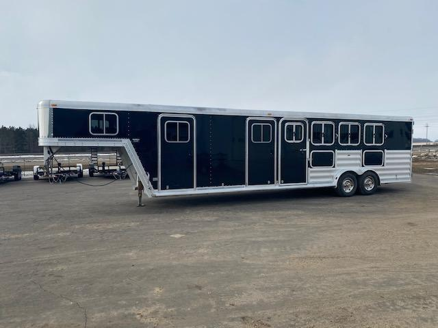 2008 Featherlite 8541 Horse Trailer