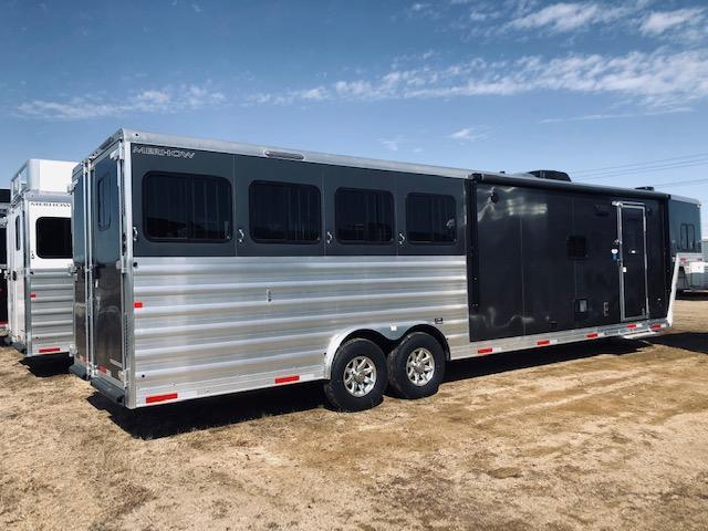 2020 Merhow Trailers Stampede Horse Trailer