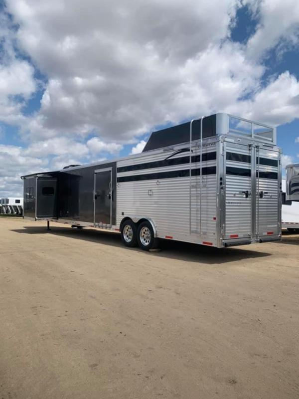 2018 Merhow 16'SW STOCK/COMBO BUNK BED