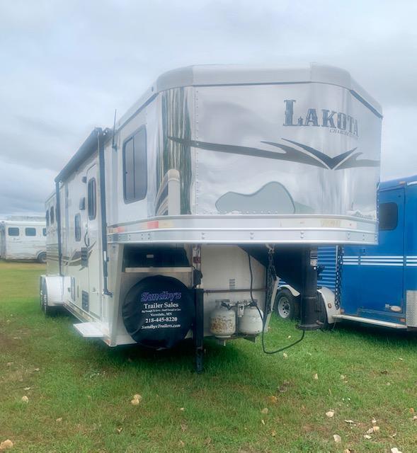 2017 Lakota Charger Edition Horse Trailer