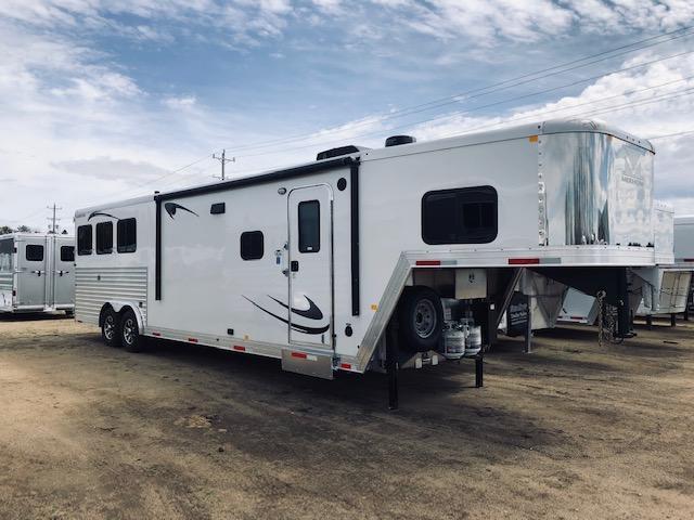 2019 Merhow Trailers 8313-RK Horse Trailer