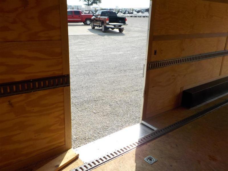 2011 MIDDLEBURY TRAILER MFG.  MTTCH 8.5 x 24 TA3 Enclosed Cargo Trailer **USED**