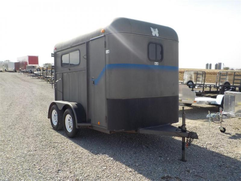 2004 Mon Ark 10 Livestock Trailer **USED**