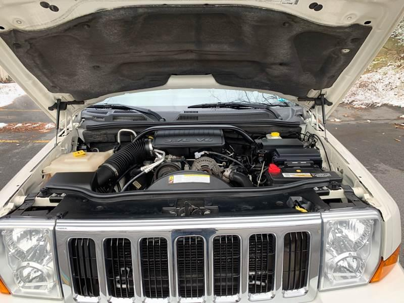2010 Jeep COMMANDER 4X4 SPORT SUV