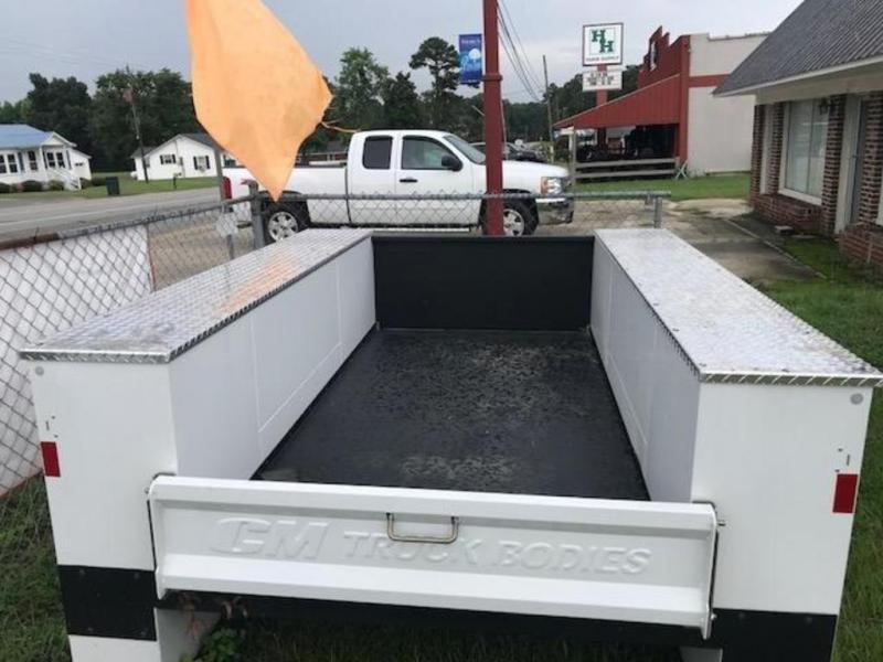 2018 CM Service Body Single Truck Beds